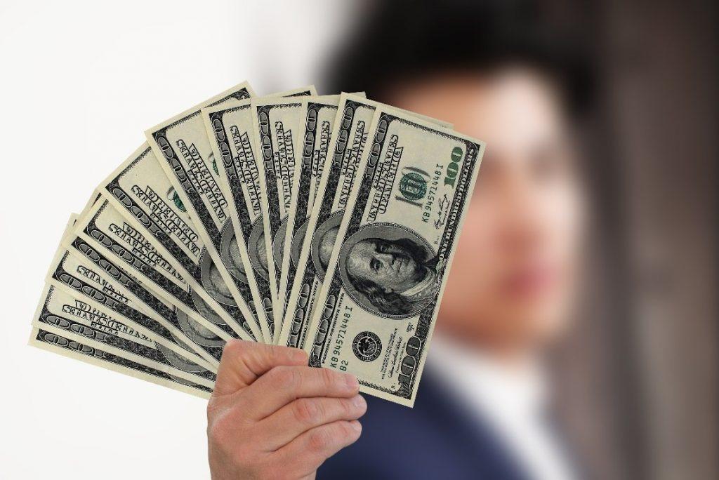 Dynamic Pricing Maximizes Profit