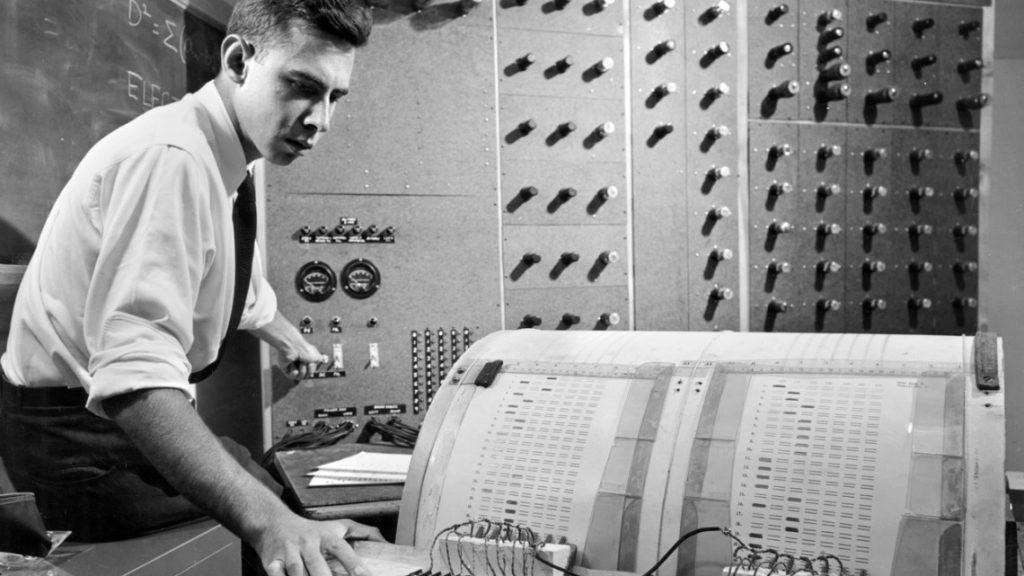 1957-FRosenblatt Builds Mark I Perceptron